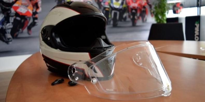 How-To-Clean-Motorcycle-Helmet-Visor